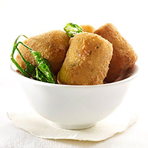 Croquetas de patatas con jamón y perejil