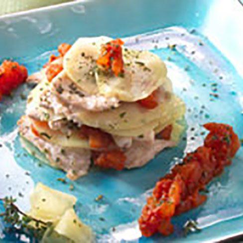 Patatas al horno con láminas de pavo