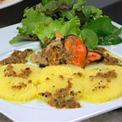 Ensalada templada de patatas con frutos del mar